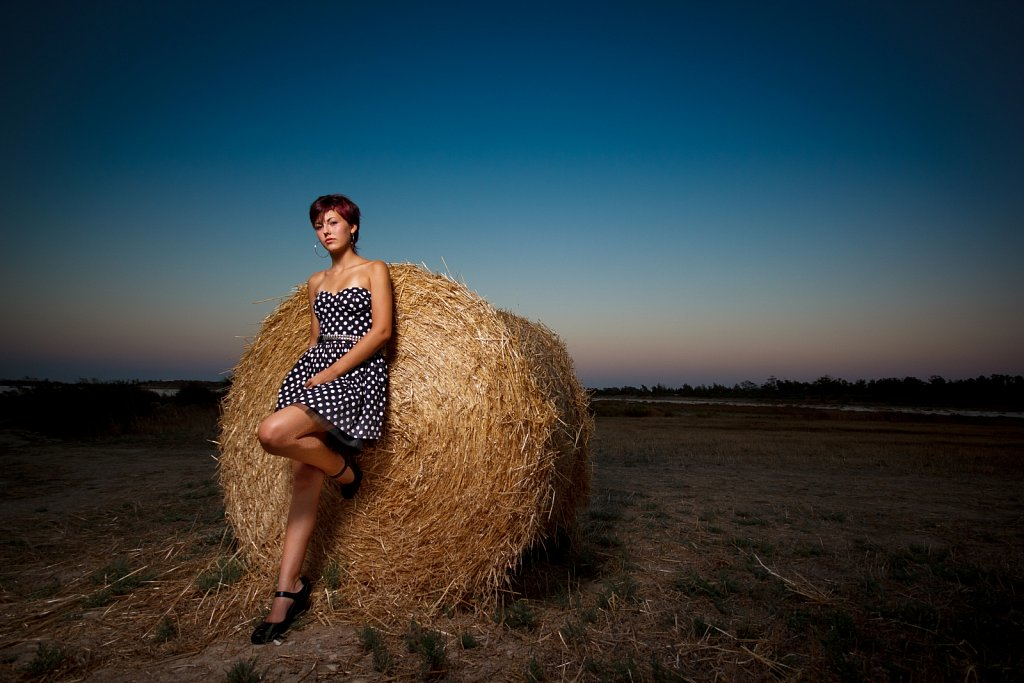 The-Hay-Girl-4764499030H.jpg